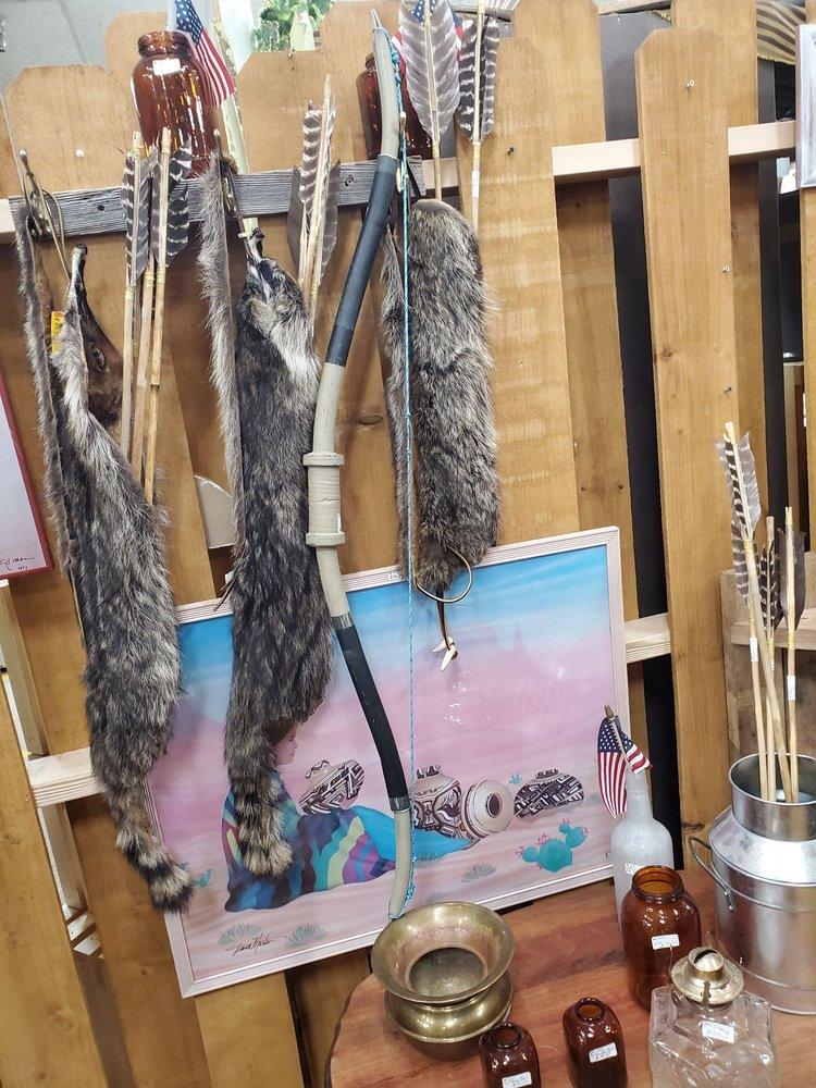 Owl's Nest Flea Market: 4720 Texas Blvd, Texarkana, TX