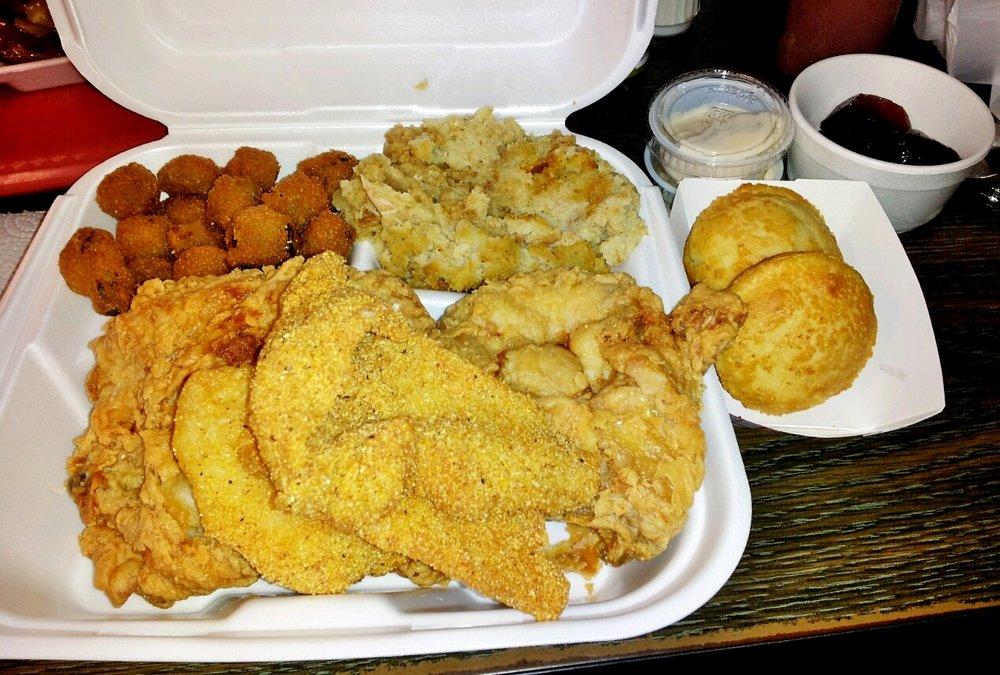 Pop's Honey Fried Chicken: 944 State Highway 31 E, Chandler, TX