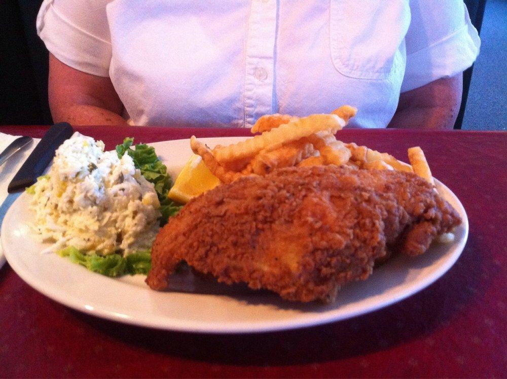 Southern Star Grill: 752 E Oak St, Mc Rae, GA