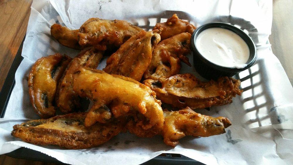 Riley's Roadhouse Bar & Grill: 21000 157th Ave N, Cordova, IL