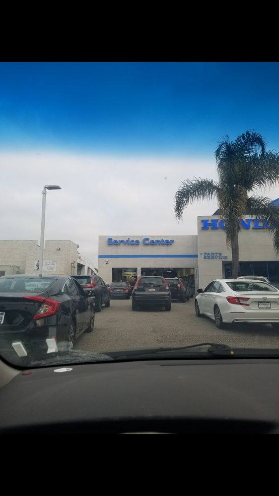 Culver City Honda Service >> When I Pulled Up All These Cars Were Waiting For Service