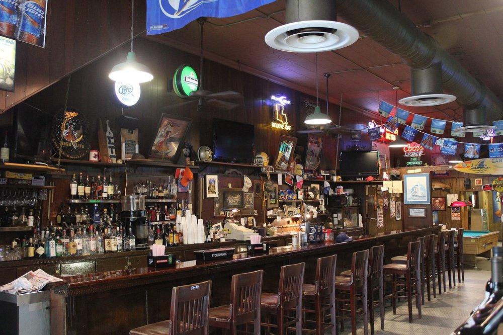 Crescent Bar