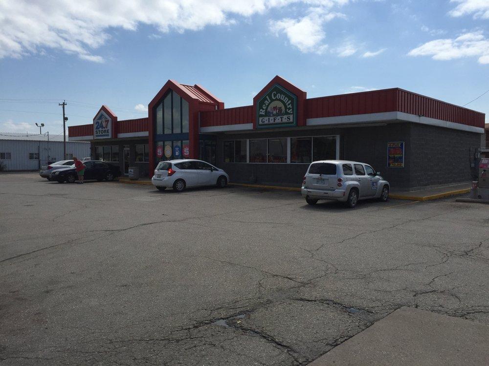 24/7 Travel Store: 2200 N Buckeye Ave, Abilene, KS