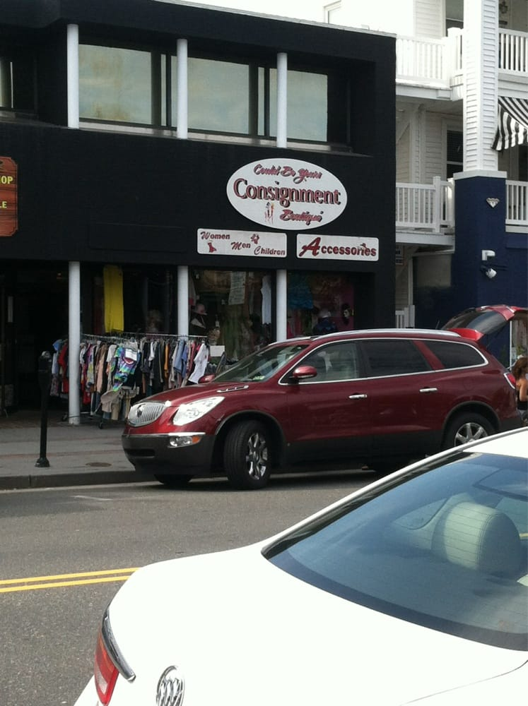 Helena's Consignment Boutique