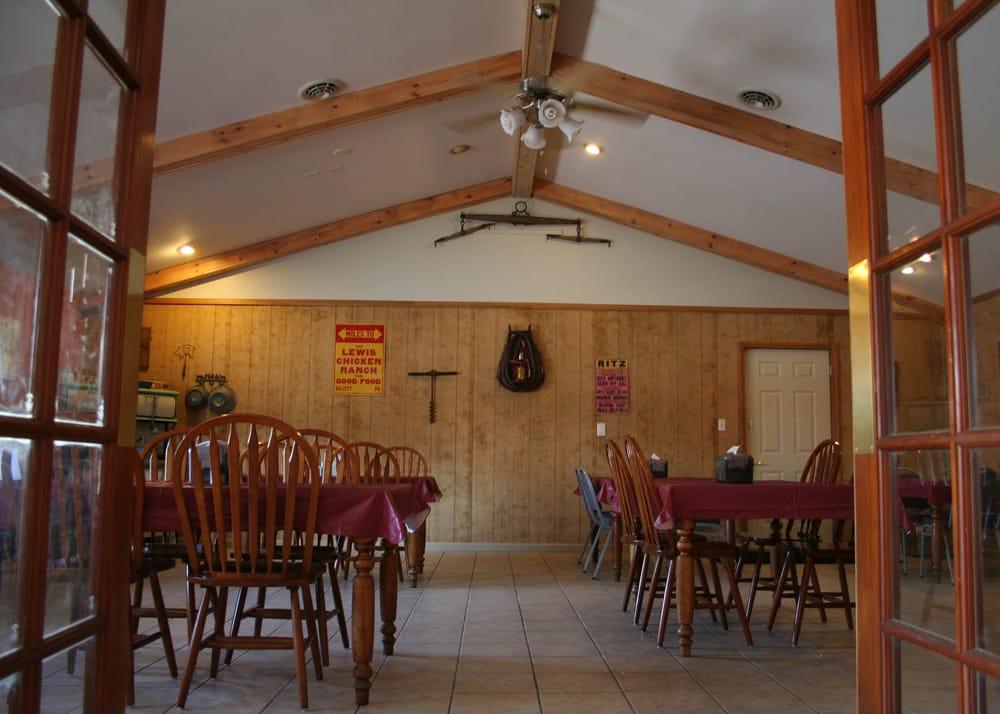 Smokehouse Bar-B-Que: 225 Center St, Benton, PA