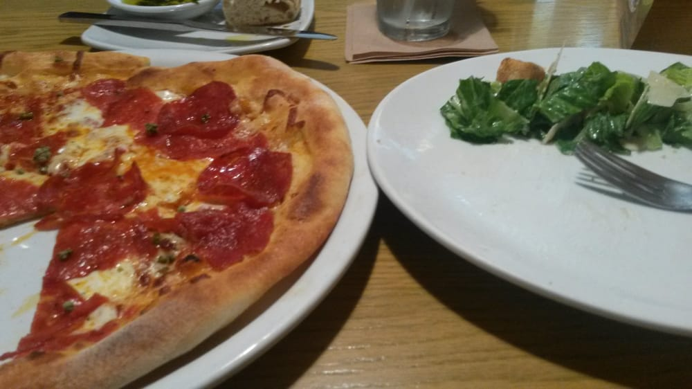 Caesar Salad 3 5 5 Pizza 5 5 Service 5 5 Yelp