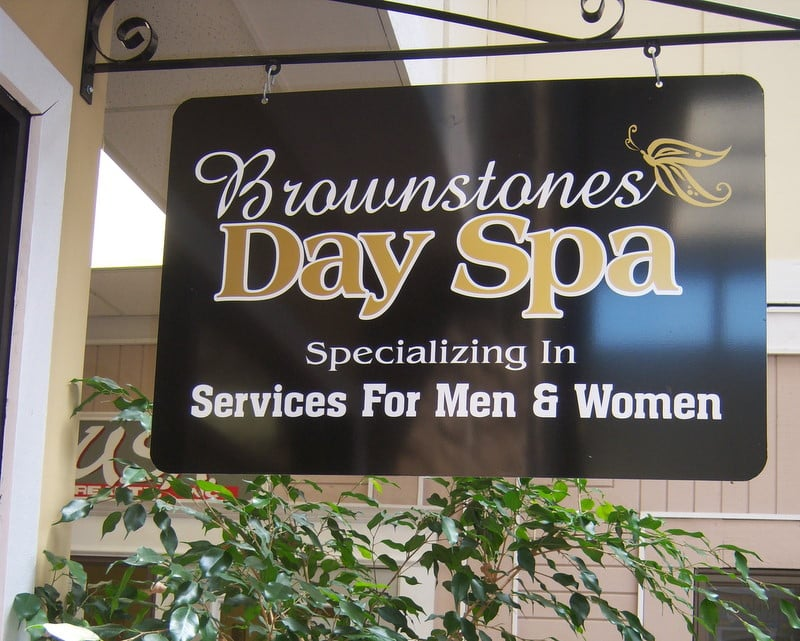 Brownstones Day Spa: 12 Stonehenge, Crossville, TN
