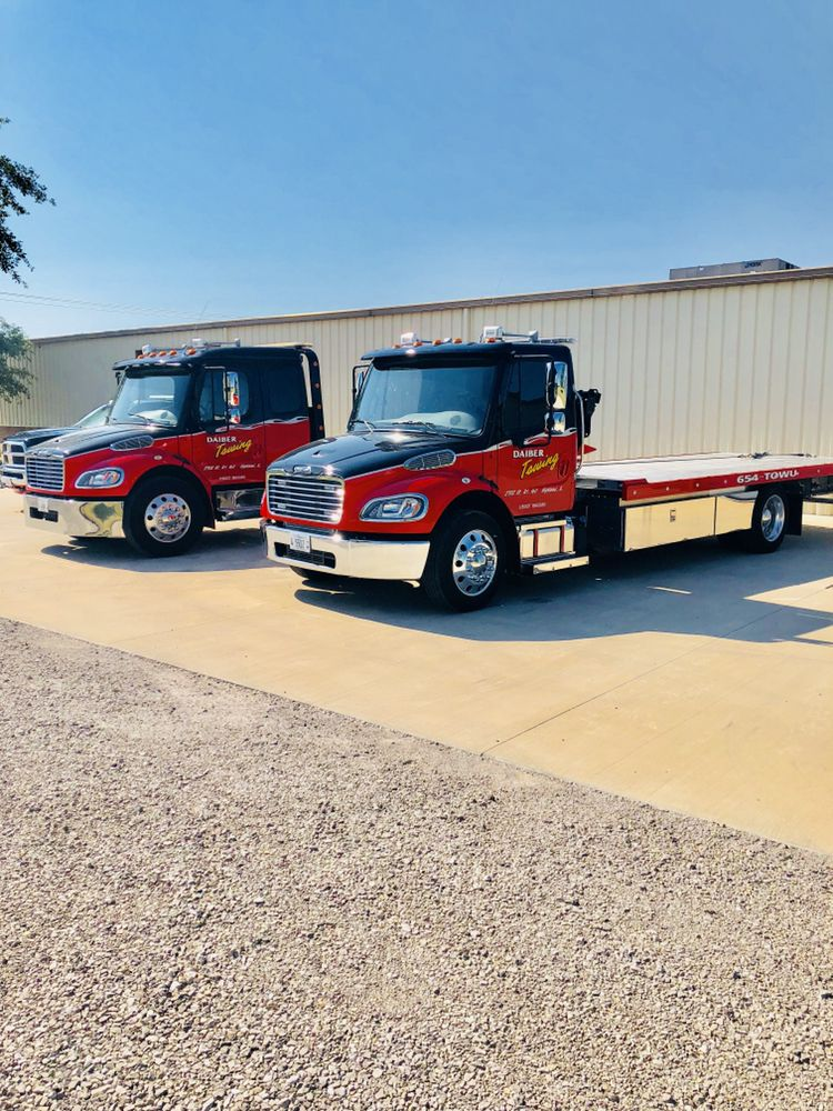 Towing business in Looking Glass, IL