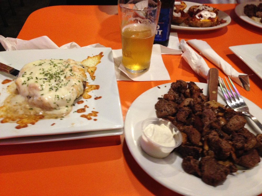CrossTown Bar & Grill: 1147 E State Rd 44, Shelbyville, IN