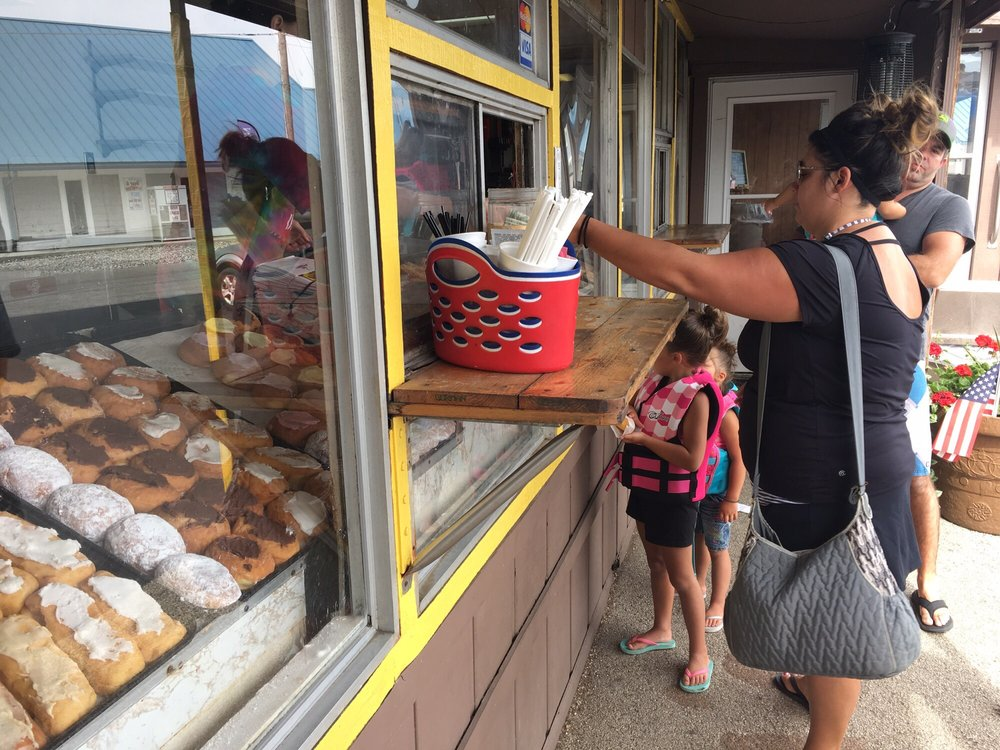 Tom's Donuts: 101 Jimmerson Lake Rd 300 W, Angola, IN