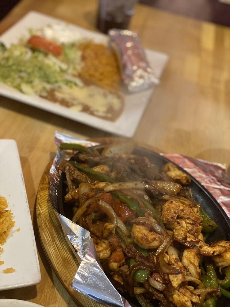 La Finca Mexican Restaurant: 1201 Greenup Ave, Ashland, KY