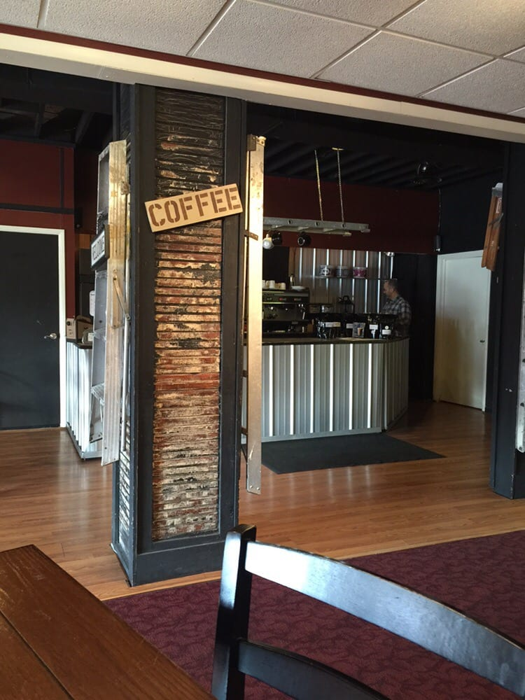 Ladders Coffee Bar: 953 Wheeling Ave, Cambridge, OH