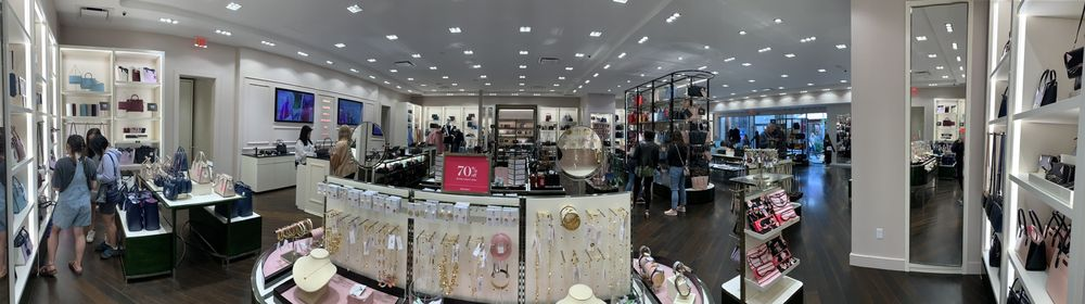 Kate Spade New York Outlet: 10600 Quil Ceda Blvd, Tulalip, WA