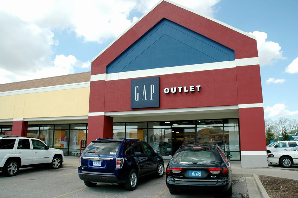 Birch Run Premium Outlets: 12240 S Beyer Rd, Birch Run, MI