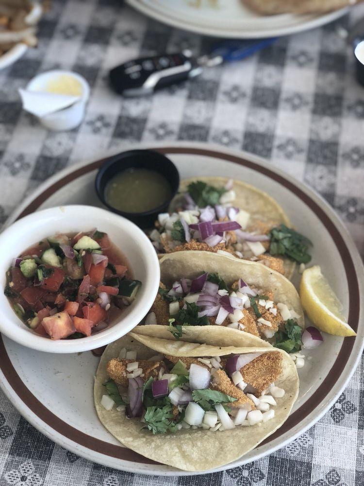 Rojas Kitchen: 202 3rd Ave W, Carthage, TN