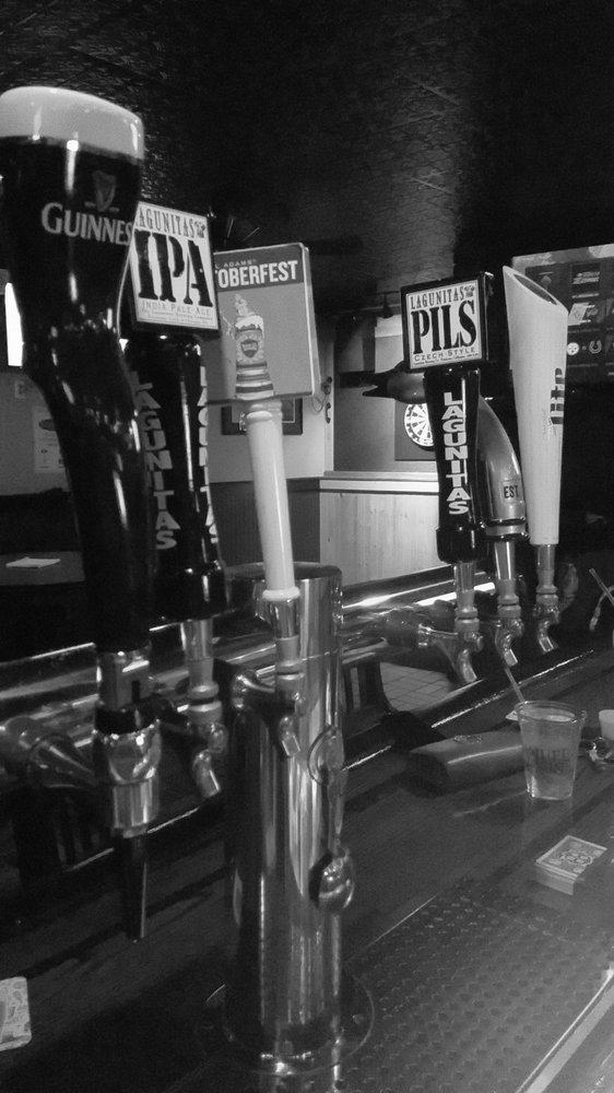 Beach Pub: 102 Washington Dr, Centerport, NY