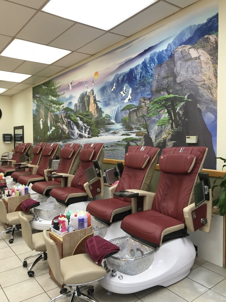 Photos for Luxury Nails & Spa - Yelp