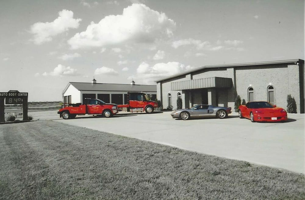 Knebel's Autobody Center Inc & Towing: 2702 State Route 160, Highland, IL