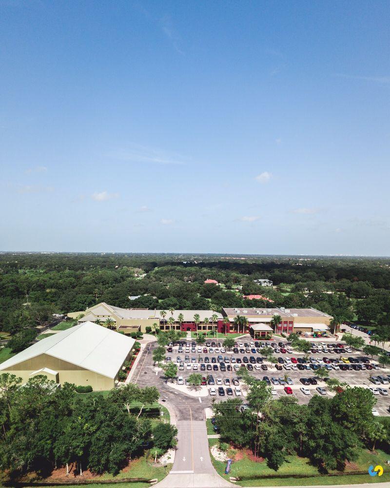 Sarasota Baptist Church: 7091 Proctor Rd, Sarasota, FL