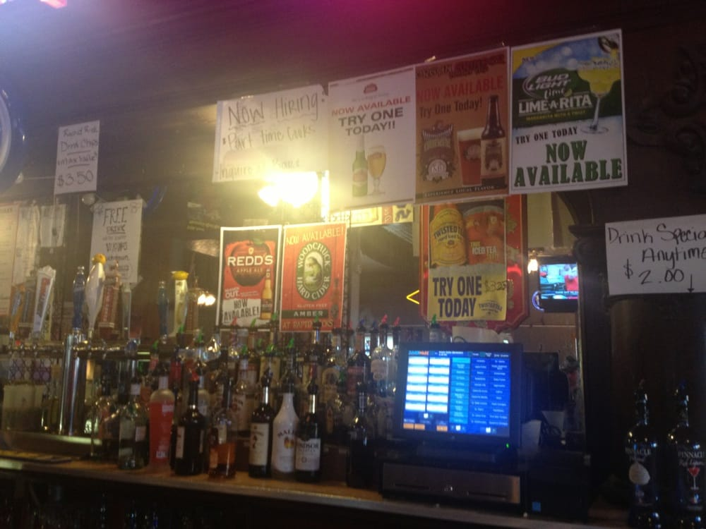 Rapid Rick's Bar & Grill: 234 Pine St, Nicollet, MN