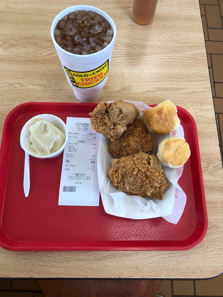 Gills Fried Chicken: 3700 College Ave, Snyder, TX