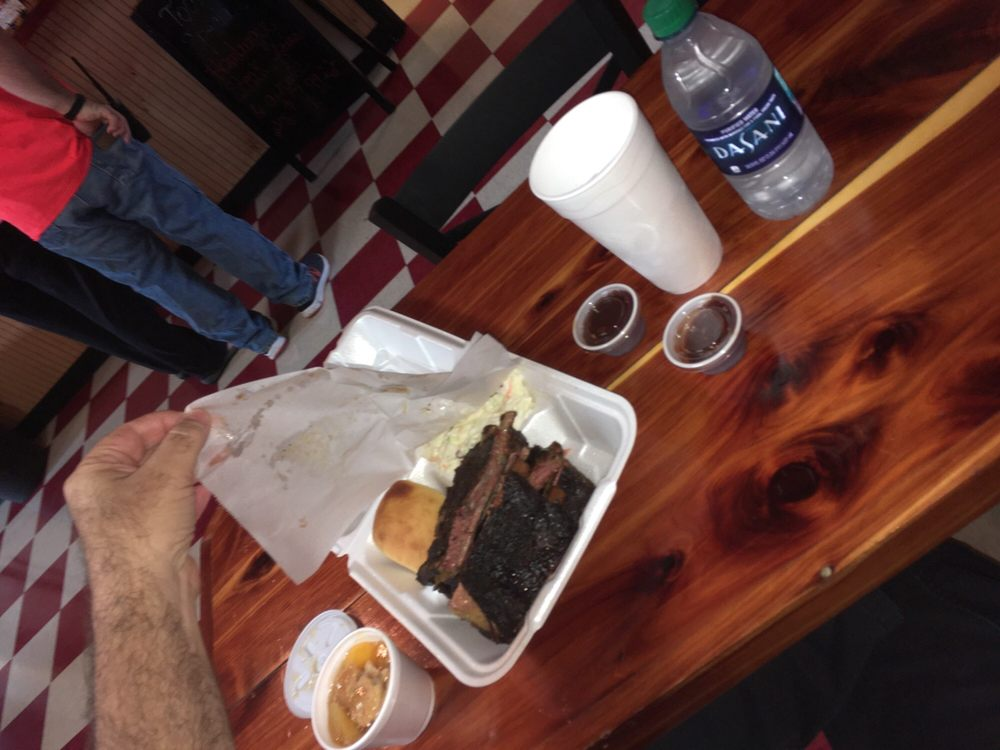 Boondocks Barbeque: 5255 Hwy 26 W, Lucedale, MS