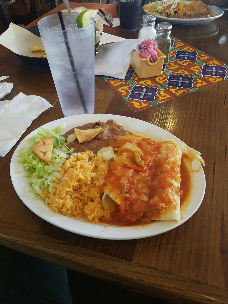 Rincon Mexico Restaurante: 1502 S US Highway 83, Laredo, TX