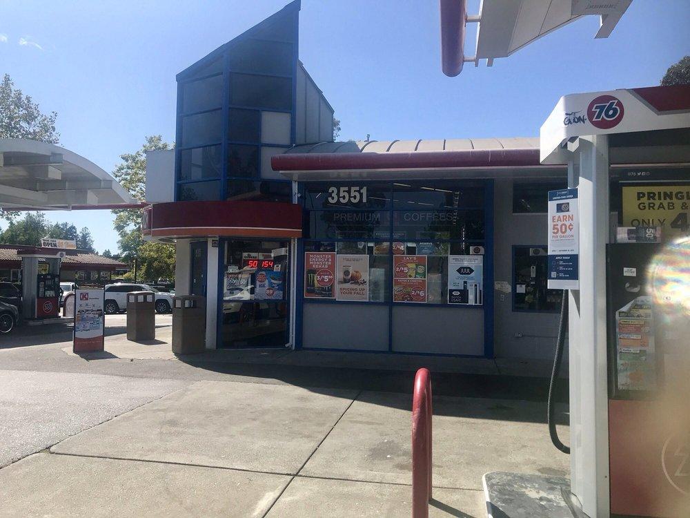 Cleveland 76 Gas Station