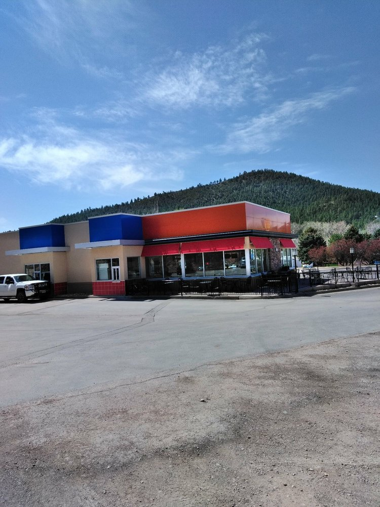 Dairy Queen Grill & Chill: 901 Jensen Hwy, Hot Springs, SD
