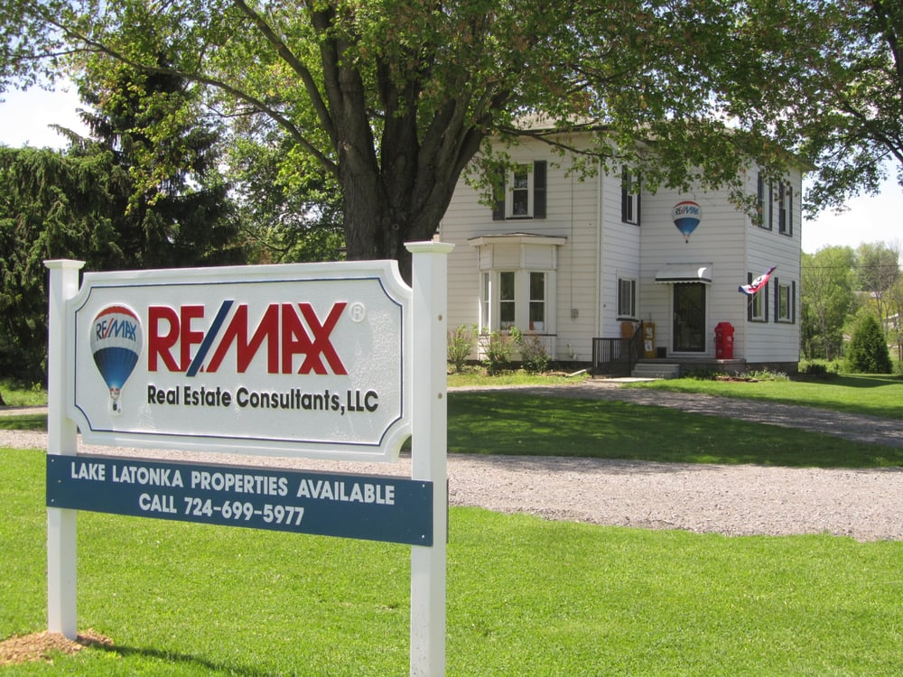 Norma Struthers-RE/MAX Real Estate Consultants: 274 Franklin Rd, Mercer, PA