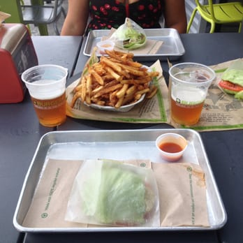 Photo Of Burgerfi Delray Beach Fl United States Green Style Burger With