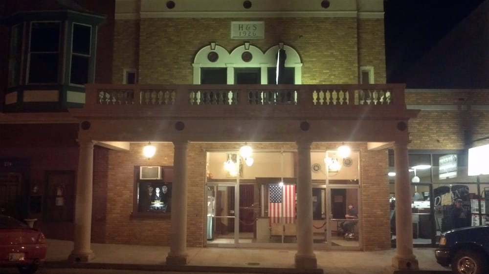 H & S Theatre: 816 Manvel Ave, Chandler, OK
