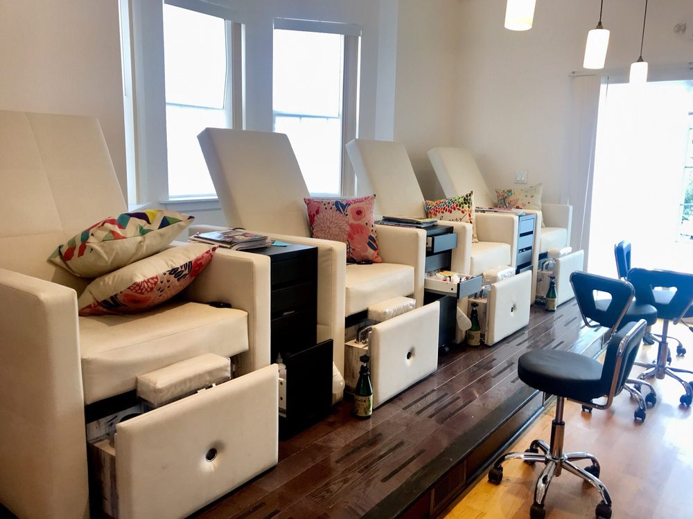 Le sisters salon: 7206 Elmwood Ave, Philadelphia, PA