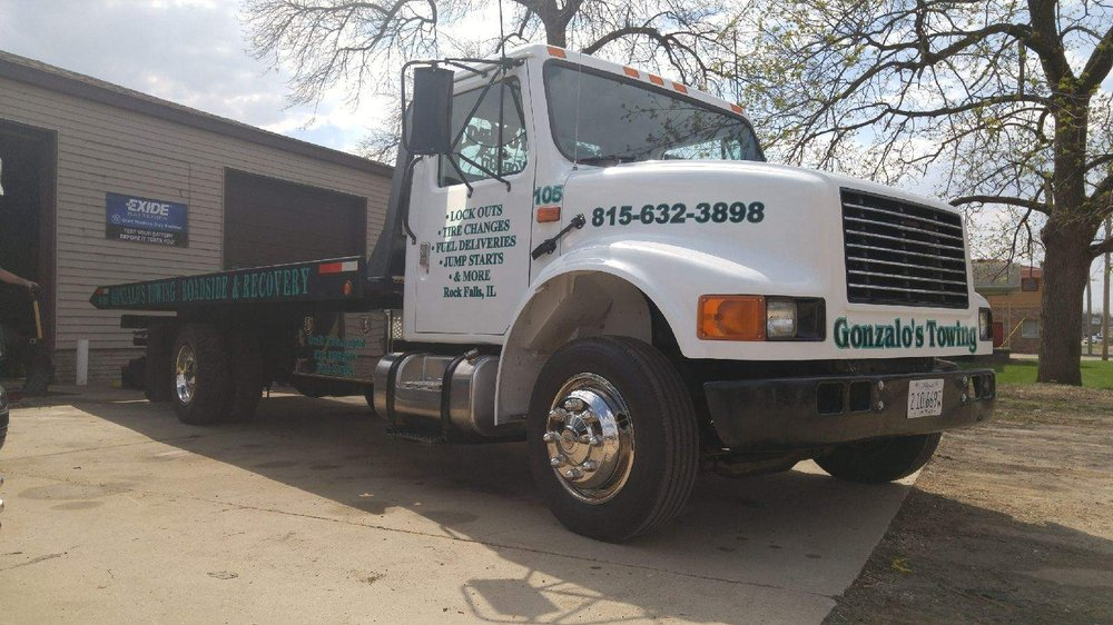 Towing business in Dixon, IL
