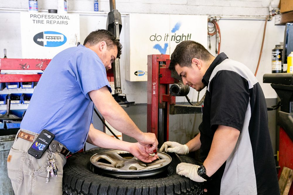 Poole's Garage & Tire Service: 1465 Hodge Rd, Knightdale, NC