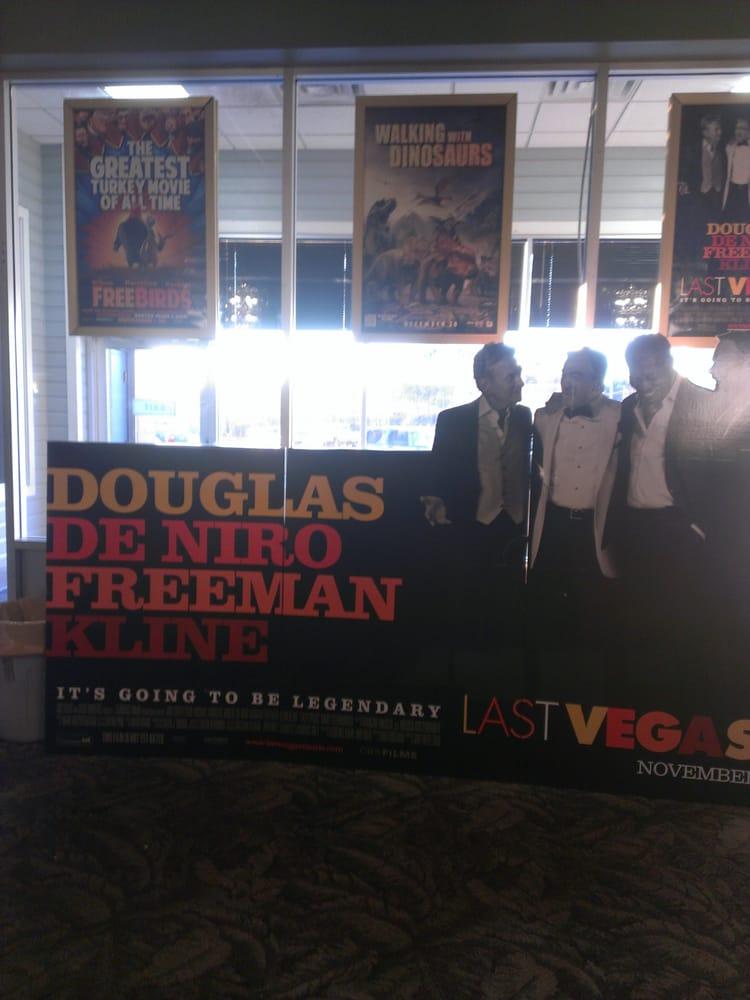 Premiere Theatres: 904 Highway 33 S, Cloquet, MN