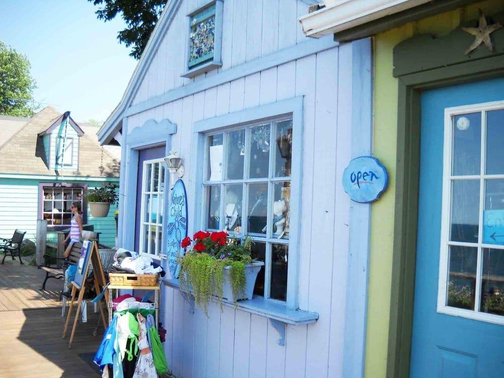 Lakeview Village Shoppes: 5955 Ontario St, Olcott, NY