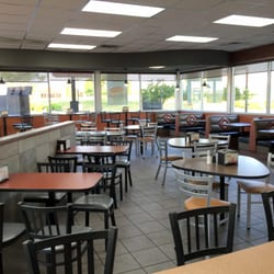Restaurants Fast Food Burgers Photo Of Hardee S Kansas City Mo United States Dining Area