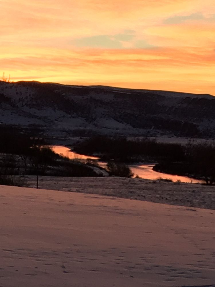 Bighorn River View Lodge and Cabins: Fort Smith, MT