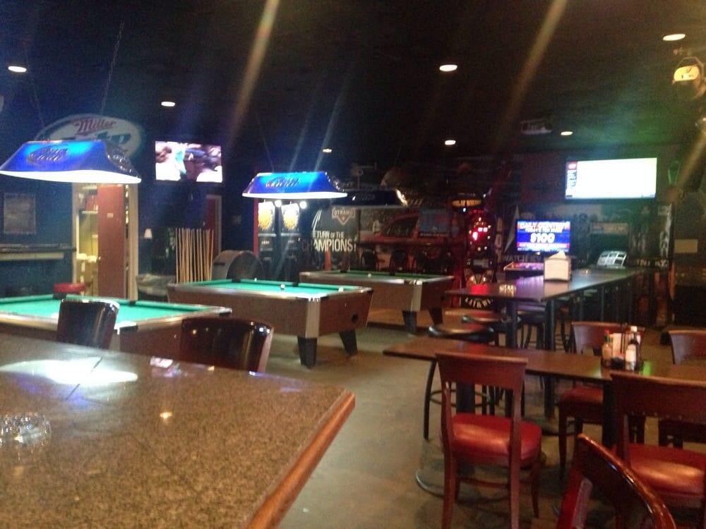 Shanahan's Bar & Grill: 18020 Hwy 105 W, Montgomery, TX