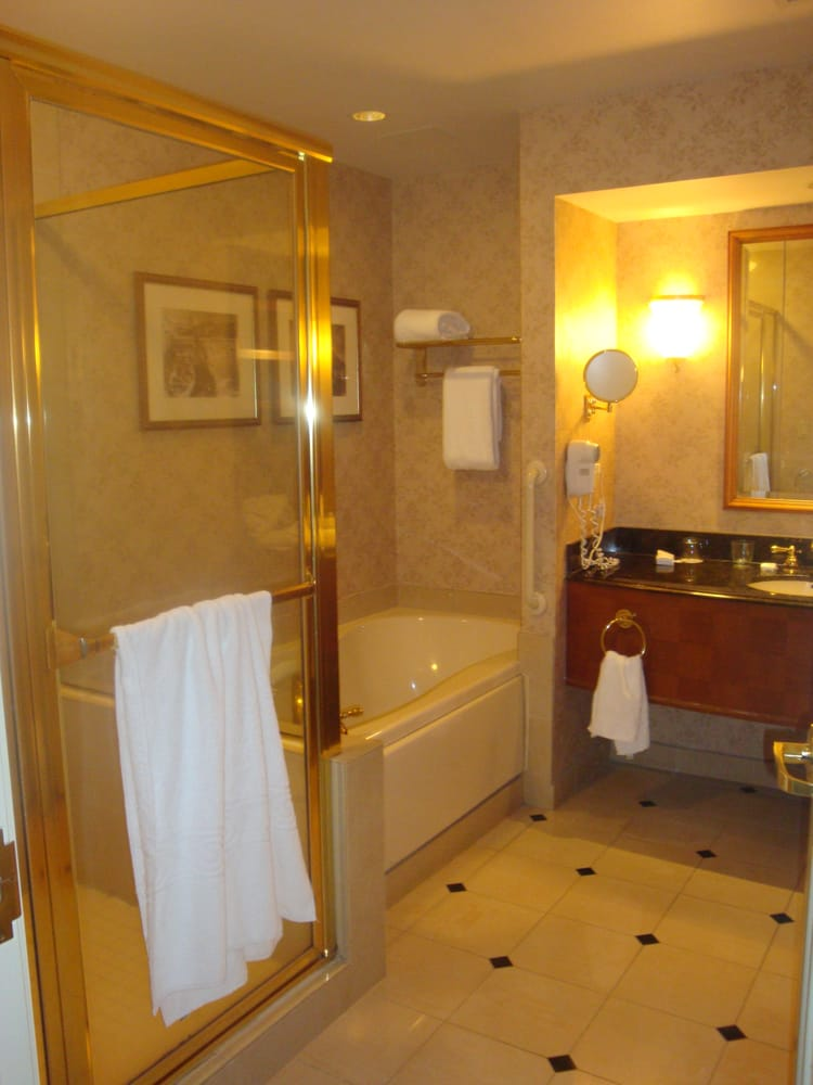 Harrah S Bayview Tower Bathroom Yelp