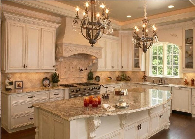 Stunning french country kitchen sienna br l e granite for Beautiful kitchen decor