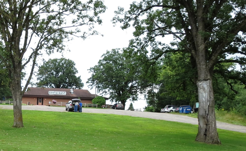 Rolling Oaks Supper Club & Lounge: 450 W Division Ave, Barron, WI