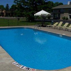 Lake Erie Lodge - Hotels - 1015 Peninsula Dr, Erie, PA
