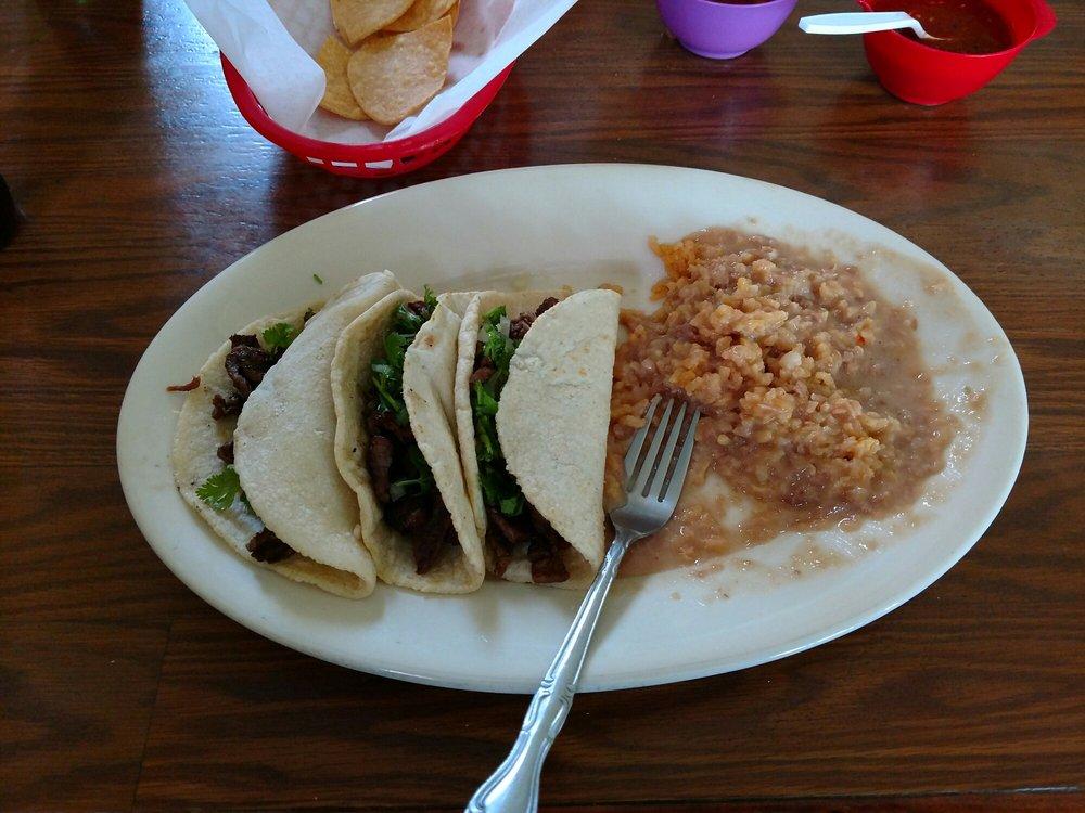 La Plaza: 903 Solano St, Corning, CA