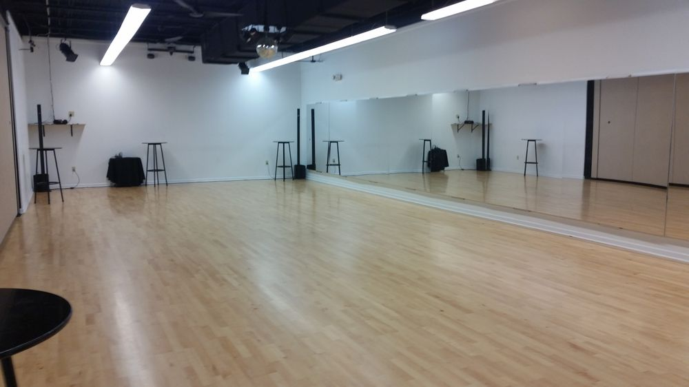 Beginners Only Social Ballroom & Latin Dance Studio: 5959 Westheimer Rd, Houston, TX