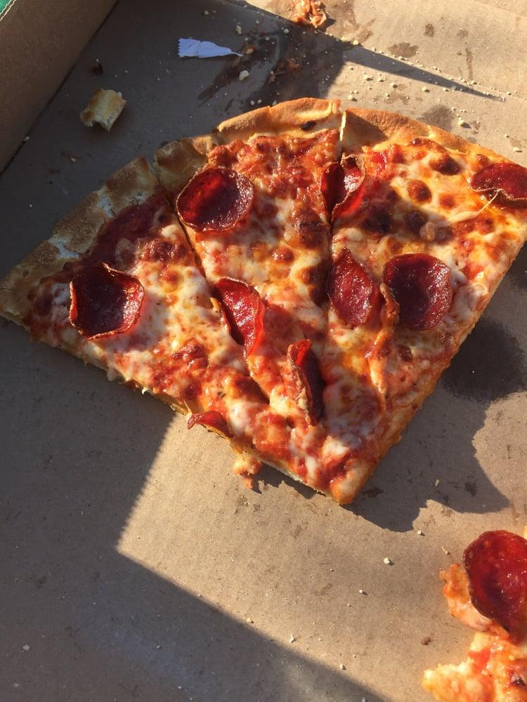 Milano's Pizza: 403 E Pine St, Edgewood, TX