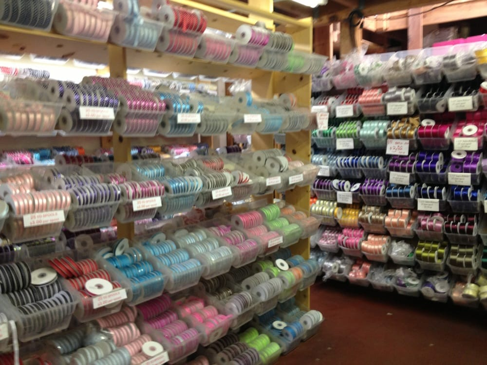 Fabric barn 31 photos 110 reviews fabric stores for Fabric outlet near me