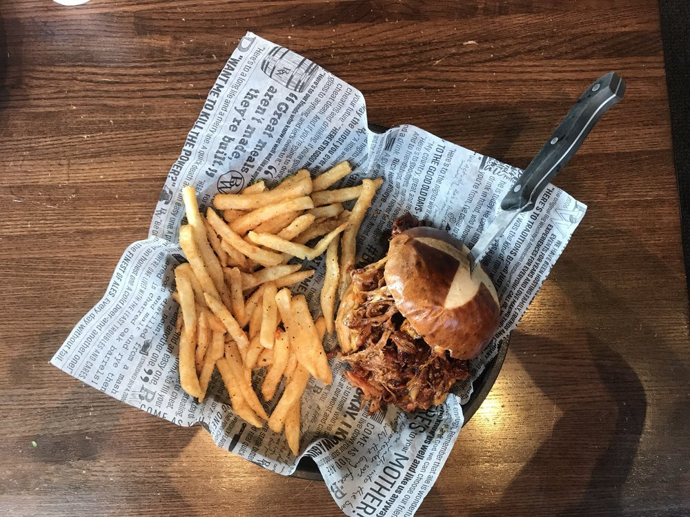 Big Whiskey's American Bar & Restaurant: 301 Branson Landing Blvd, Branson, MO