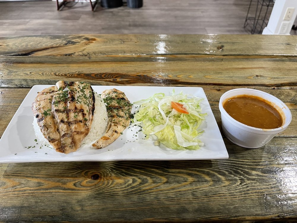 Papi's Cafe and Grill: 723 Eglin Pkwy NE, Fort Walton Beach, FL